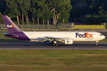 N103FE - FedEx Federal Express Boeing 767-300F