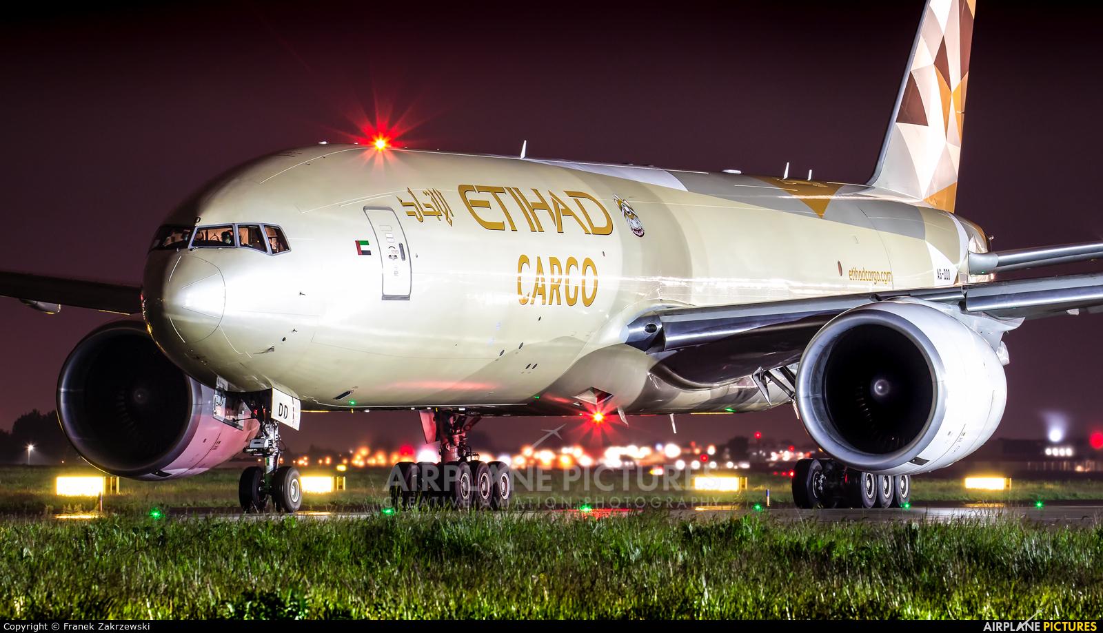 Etihad Cargo A6-DDD aircraft at Warsaw - Frederic Chopin