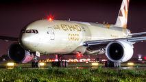 Rare visit of Etihad Cargo Boeing 777F to Warsaw title=
