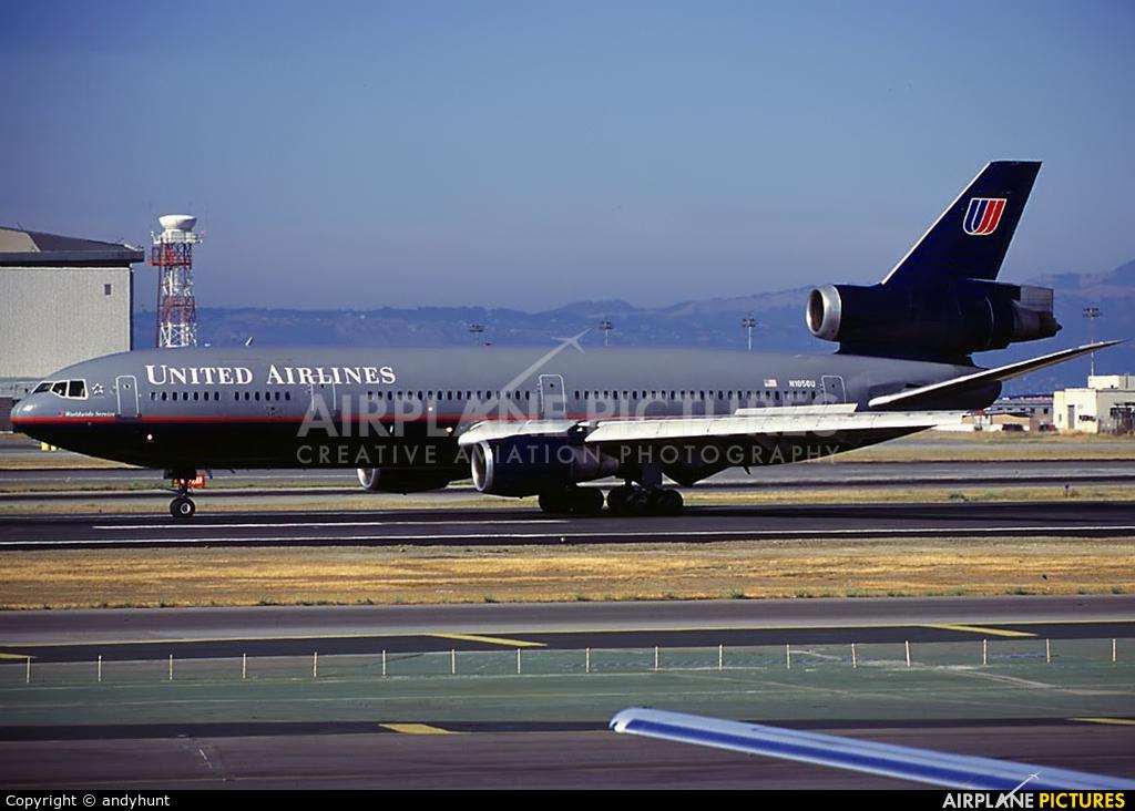 United Airlines N1856U aircraft at San Francisco Intl