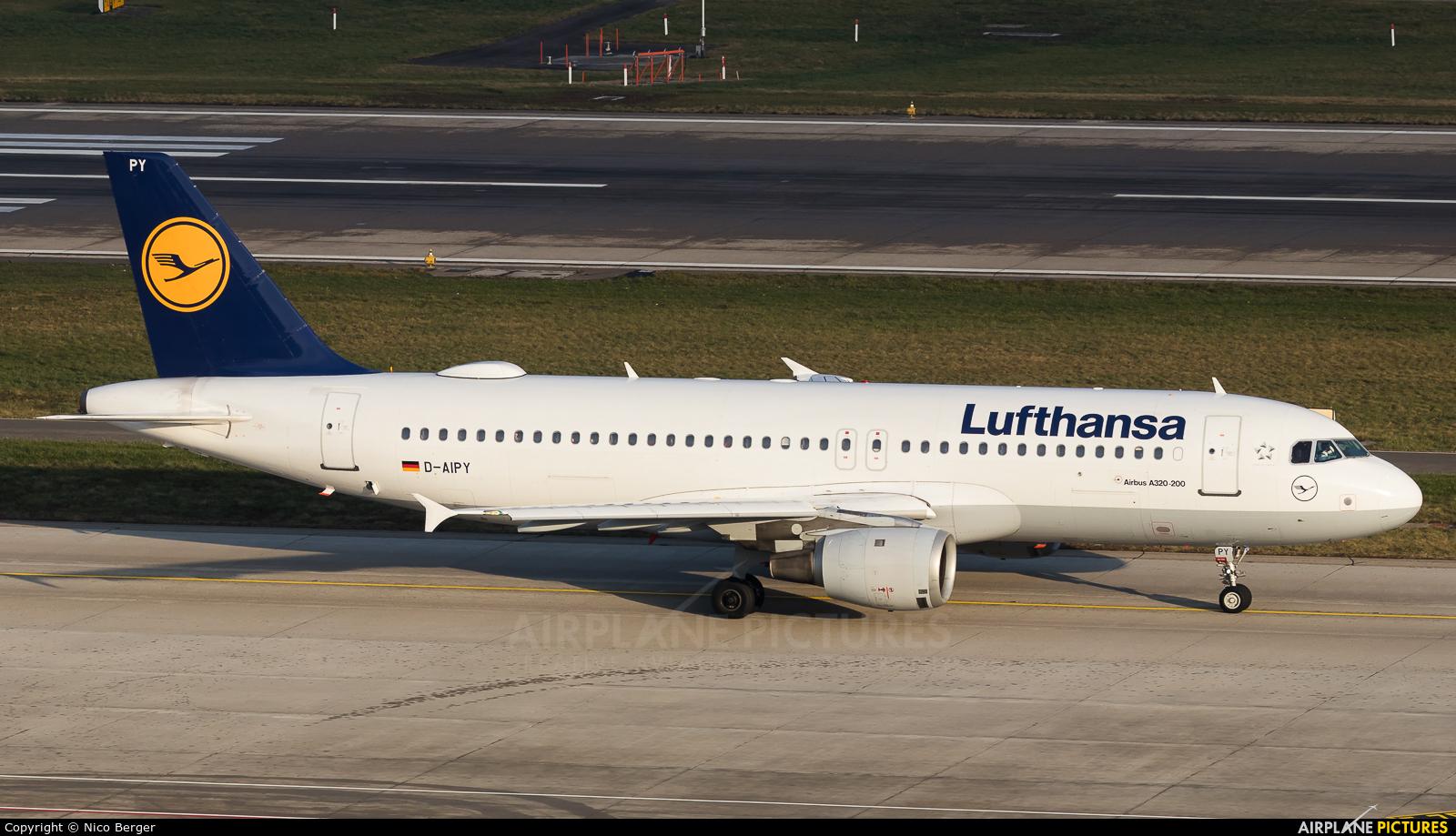 Lufthansa D-AIPY aircraft at Zurich