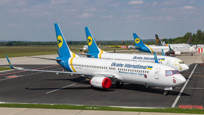 UR-PSS - Ukraine International Airlines Boeing 737-8AS