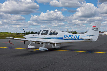 D-ELUX - Private Cirrus SR20