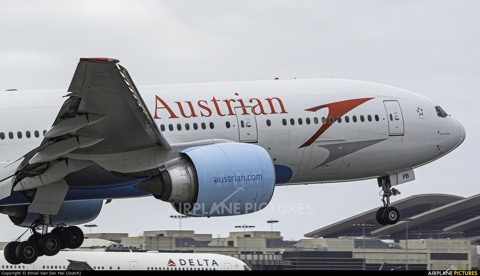 Austrian Airlines/Arrows/Tyrolean OE-LPB aircraft at Los Angeles Intl