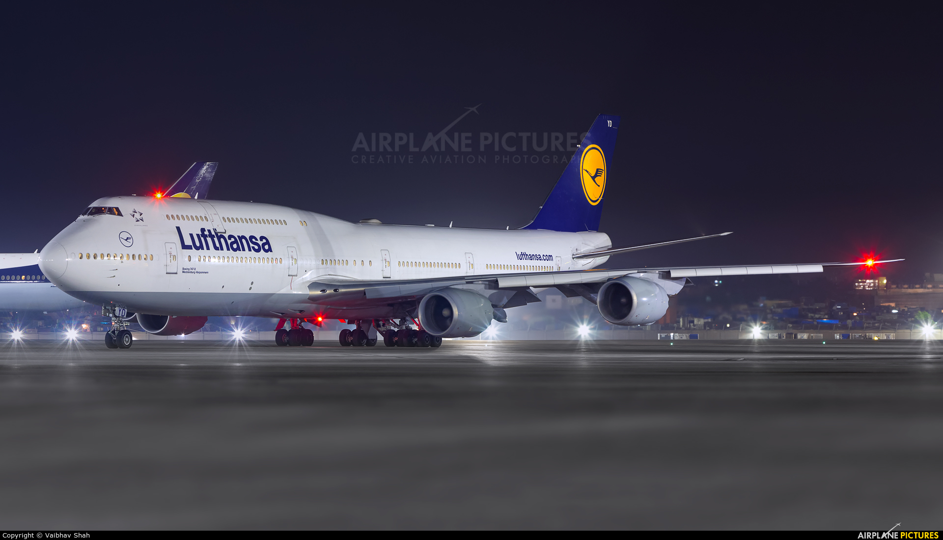 Lufthansa D-ABYD aircraft at Mumbai - Chhatrapati Shivaji Intl