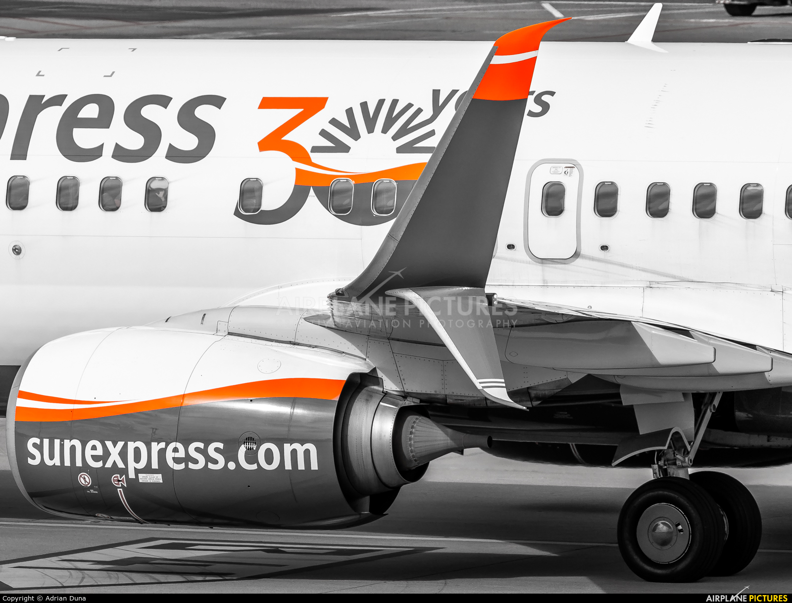 SunExpress TC-SOC aircraft at Zurich