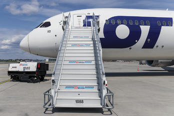 SP-LSD - LOT - Polish Airlines Boeing 787-9 Dreamliner