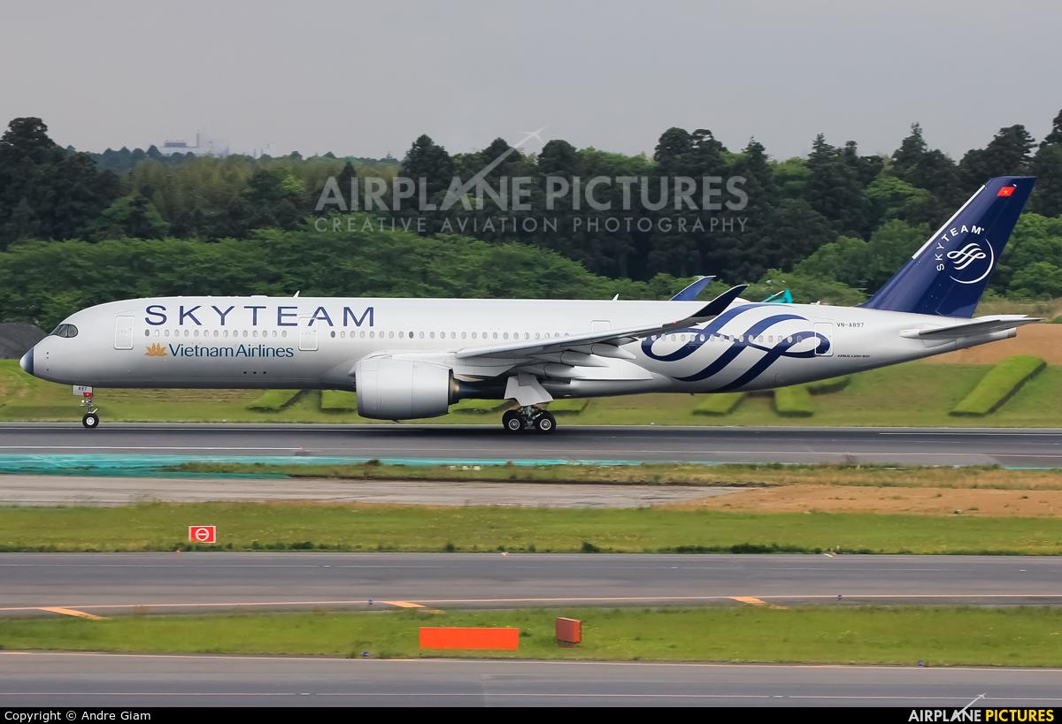 Vietnam Airlines VN-A897 aircraft at Tokyo - Narita Intl