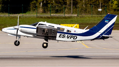 ES-VPD - Private Piper PA-34 Seneca