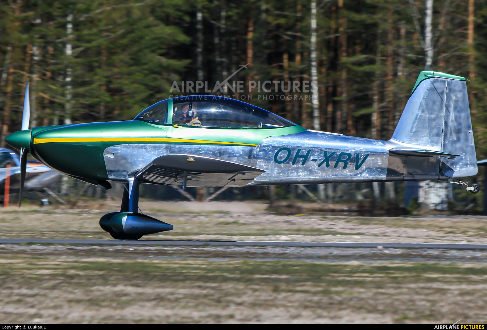 Private OH-XRV aircraft at Hyvinkää