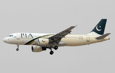 AP-BLD - PIA - Pakistan International Airlines Airbus A320