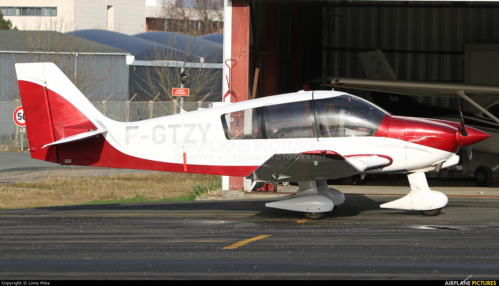 Private F-GTZY aircraft at Bordeaux - Merignac