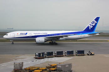 JA715A - ANA - All Nippon Airways - Airport Overview - Overall View