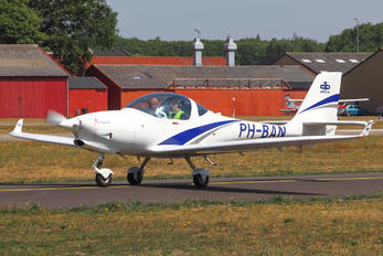 PH-BAN - Private Aquila 211