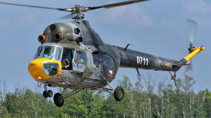 0711 - Czech - Air Force Mil Mi-2