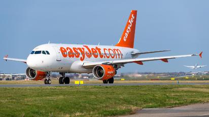 OE-LQT - easyJet Europe Airbus A319