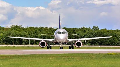 RA-89099 - Aeroflot Sukhoi Superjet 100LR