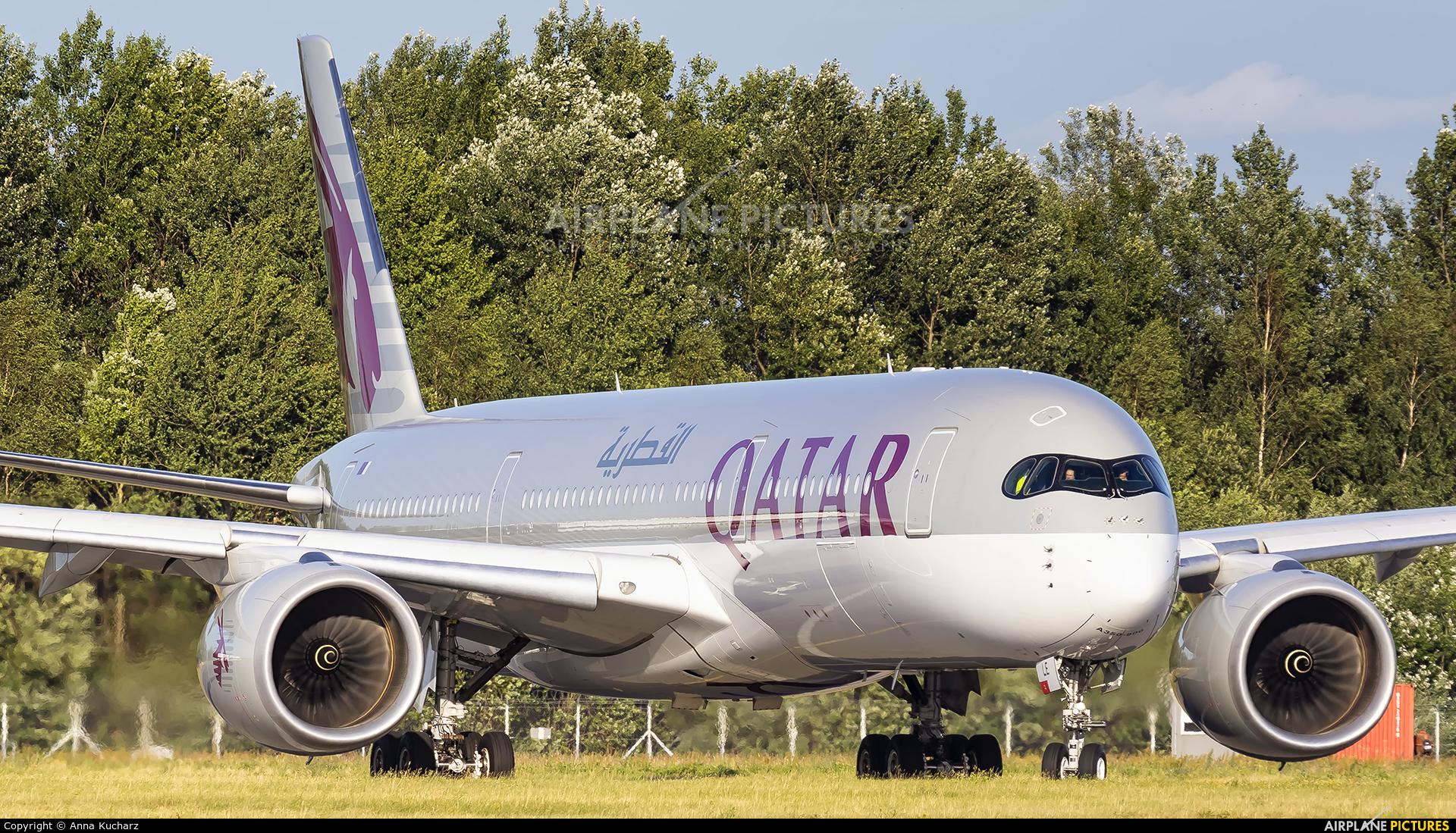 Qatar Airways A7-ALE aircraft at Warsaw - Frederic Chopin