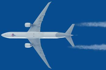 PT-MUJ - LATAM Brasil Boeing 777-300ER