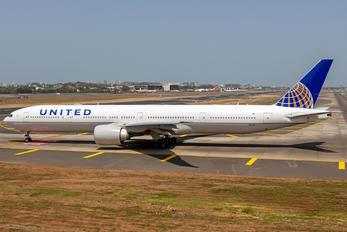 N233IU - United Airlines Boeing 777-300ER