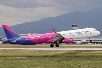HA-LXN - Wizz Air Airbus A321