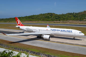 TC-JOD - Turkish Airlines Airbus A330-300