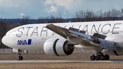 JA731A - ANA - All Nippon Airways Boeing 777-300