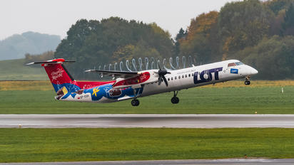 SP-EQH - LOT - Polish Airlines de Havilland Canada DHC-8-402Q Dash 8