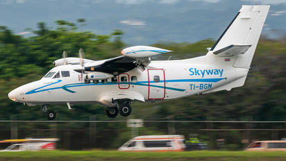 TI-BGM - Skyway Costa Rica LET L-410UVP-E20 Turbolet