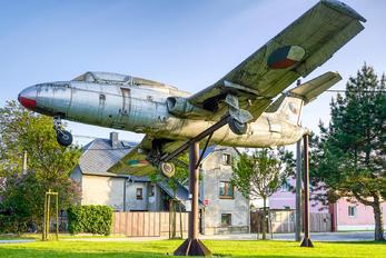 0009 - Czechoslovak - Air Force Aero L-29 Delfín