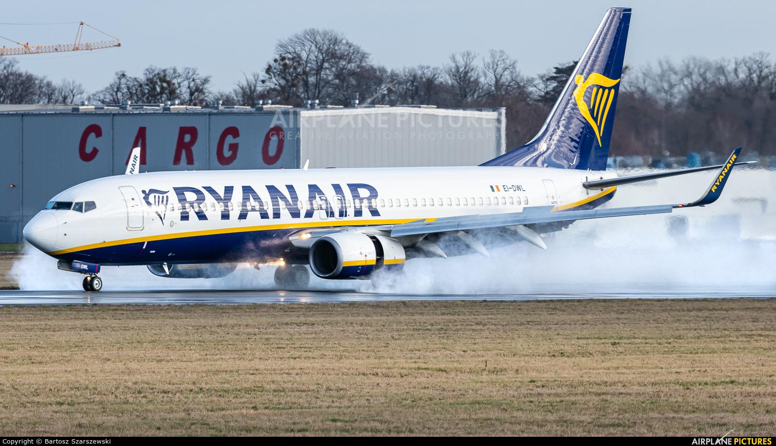 Ryanair EI-DWL aircraft at Wrocław - Copernicus