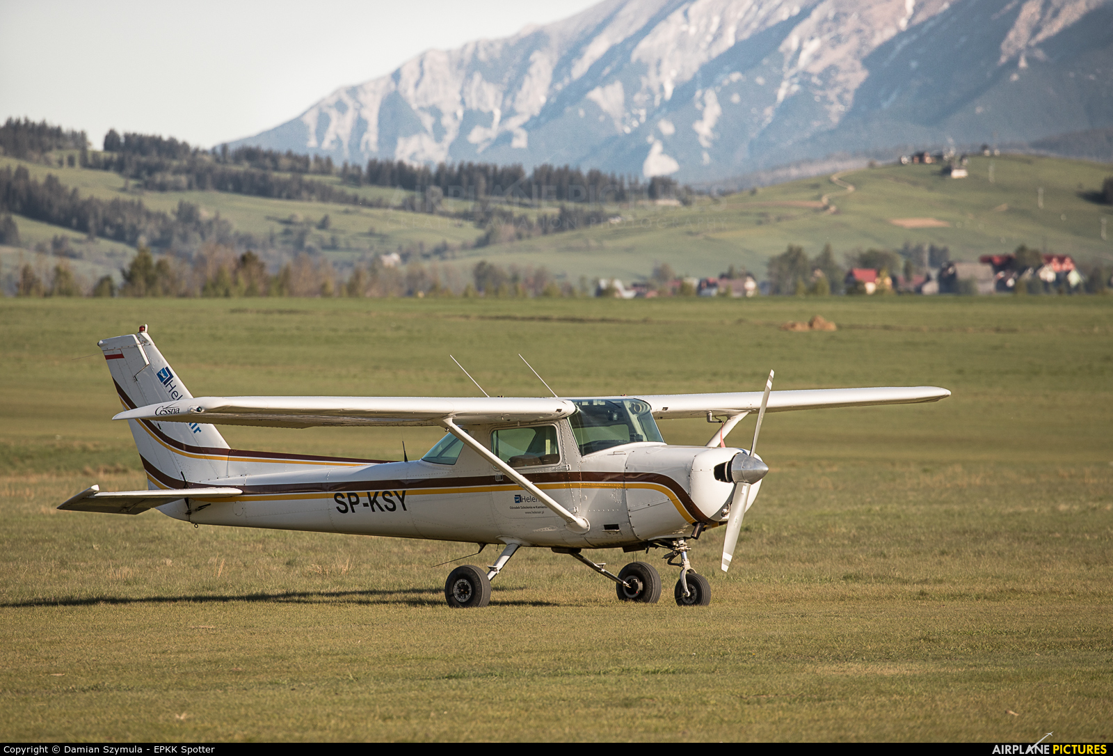 Private SP-KSY aircraft at Nowy Targ Airport