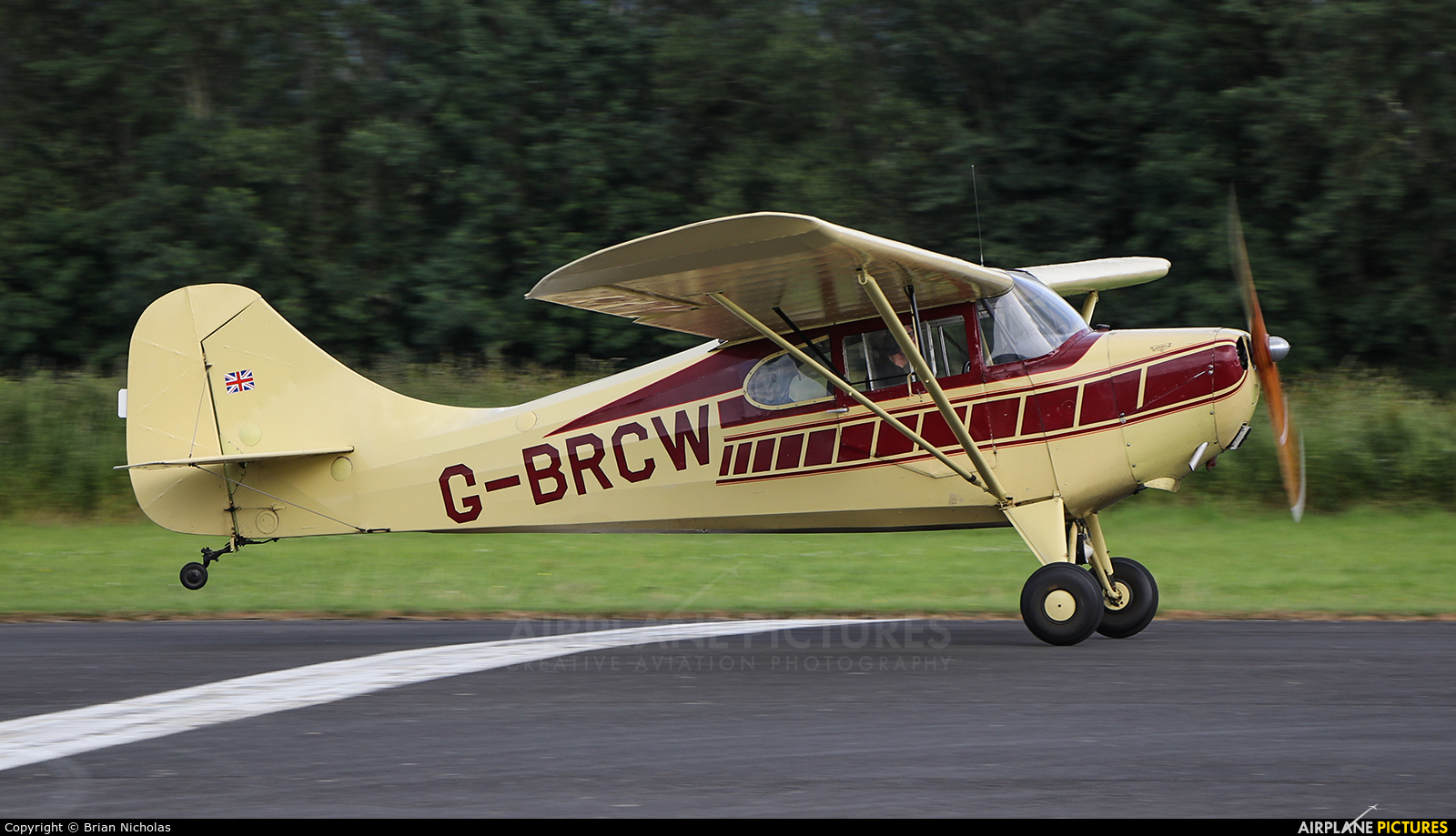 Private G-BRCW aircraft at Welshpool