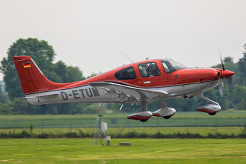 D-ETUM - Private Cirrus SR22T