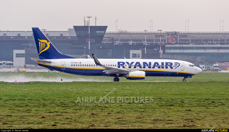 Ryanair EI-FEH aircraft at Kraków - John Paul II Intl