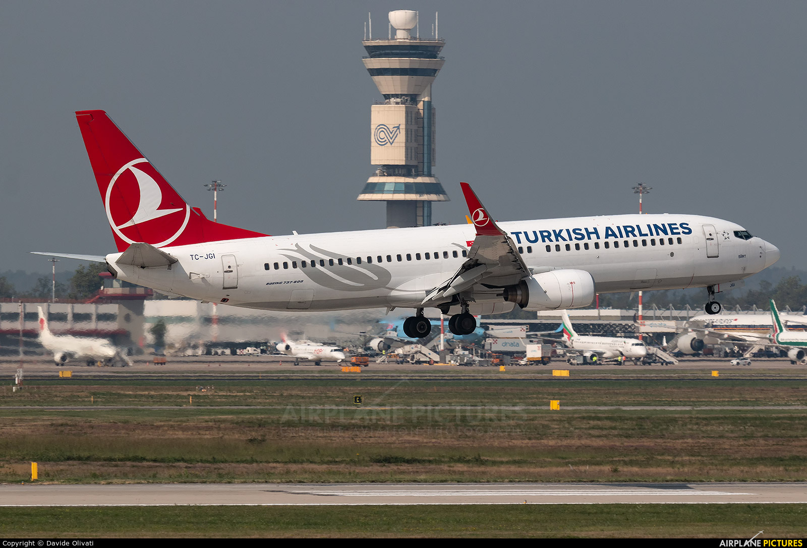 Turkish Airlines TC-JGI aircraft at Milan - Malpensa