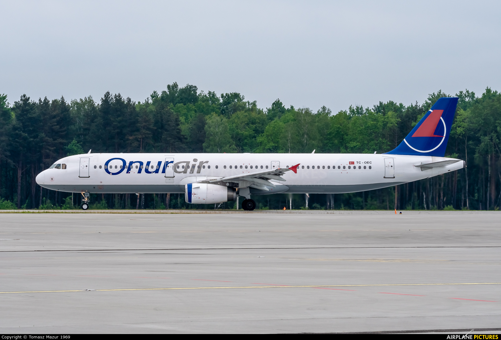 Onur Air TC-OEC aircraft at Katowice - Pyrzowice