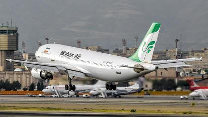 EP-MNT - Mahan Air Airbus A300