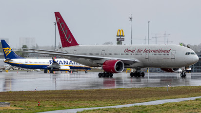 N828AX - Omni Air International Boeing 777-200ER