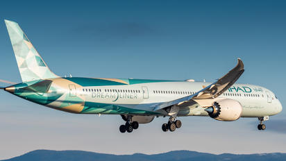 A6-BMH - Etihad Airways Boeing 787-10 Dreamliner