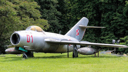 01 - Poland - Air Force Mikoyan-Gurevich MiG-15