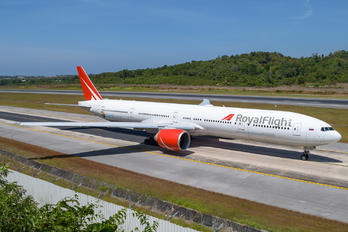 VQ-BGL - Royal Flight Boeing 777-31H(ER)