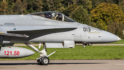 J-5013 - Switzerland - Air Force McDonnell Douglas F-18C Hornet