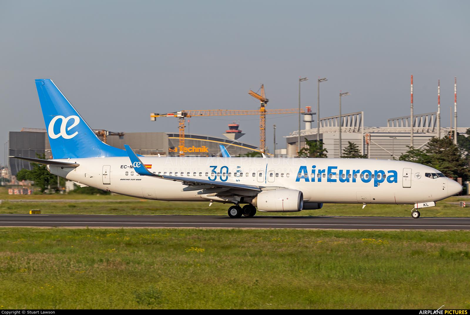 Air Europa EC-MKL aircraft at Frankfurt