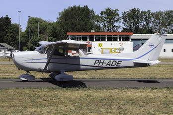 PH-ADE - Private Cessna 172 RG Skyhawk / Cutlass