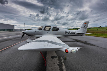 D-EXHP - Private Cirrus SR-22 -GTS