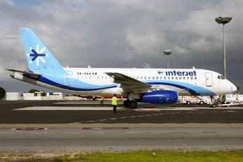 XA-OAA - Interjet Sukhoi Superjet 100