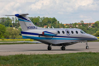 N390RJ - Private Hawker Beechcraft 390 Premier