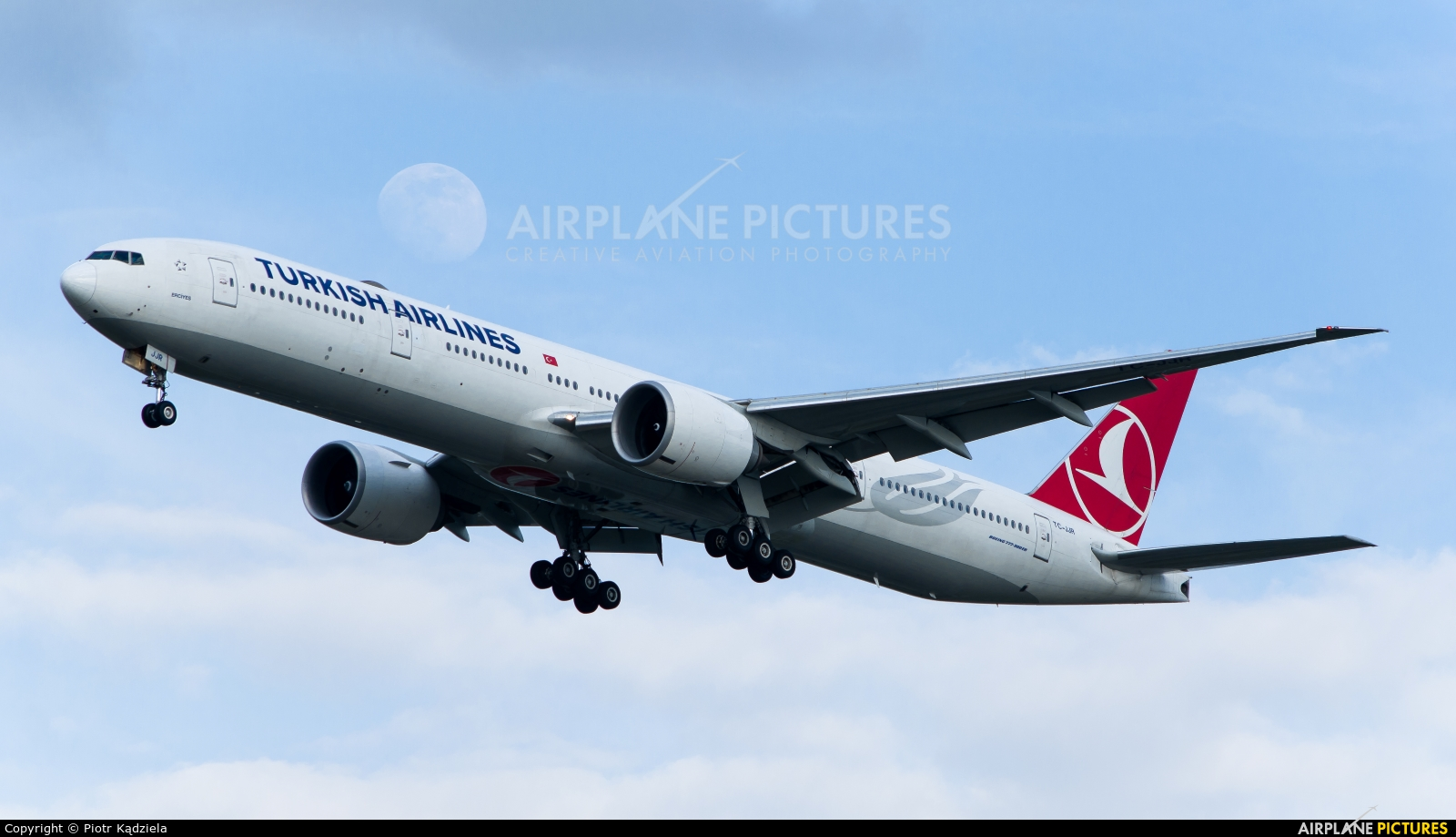 Turkish Airlines TC-JJR aircraft at Warsaw - Frederic Chopin
