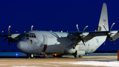 130613 - Canada - Air Force Lockheed CC-130J Hercules
